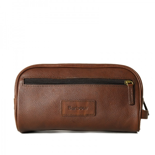 27-06-2011_bb_washbag_leather_det__0000_._1