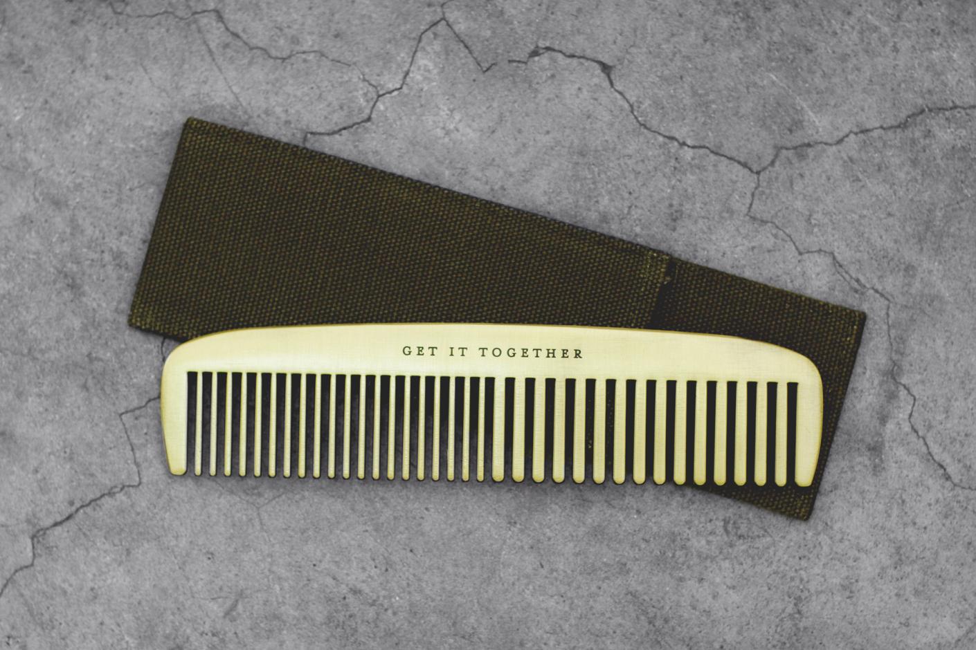 izola-get-it-together-brass-comb-2